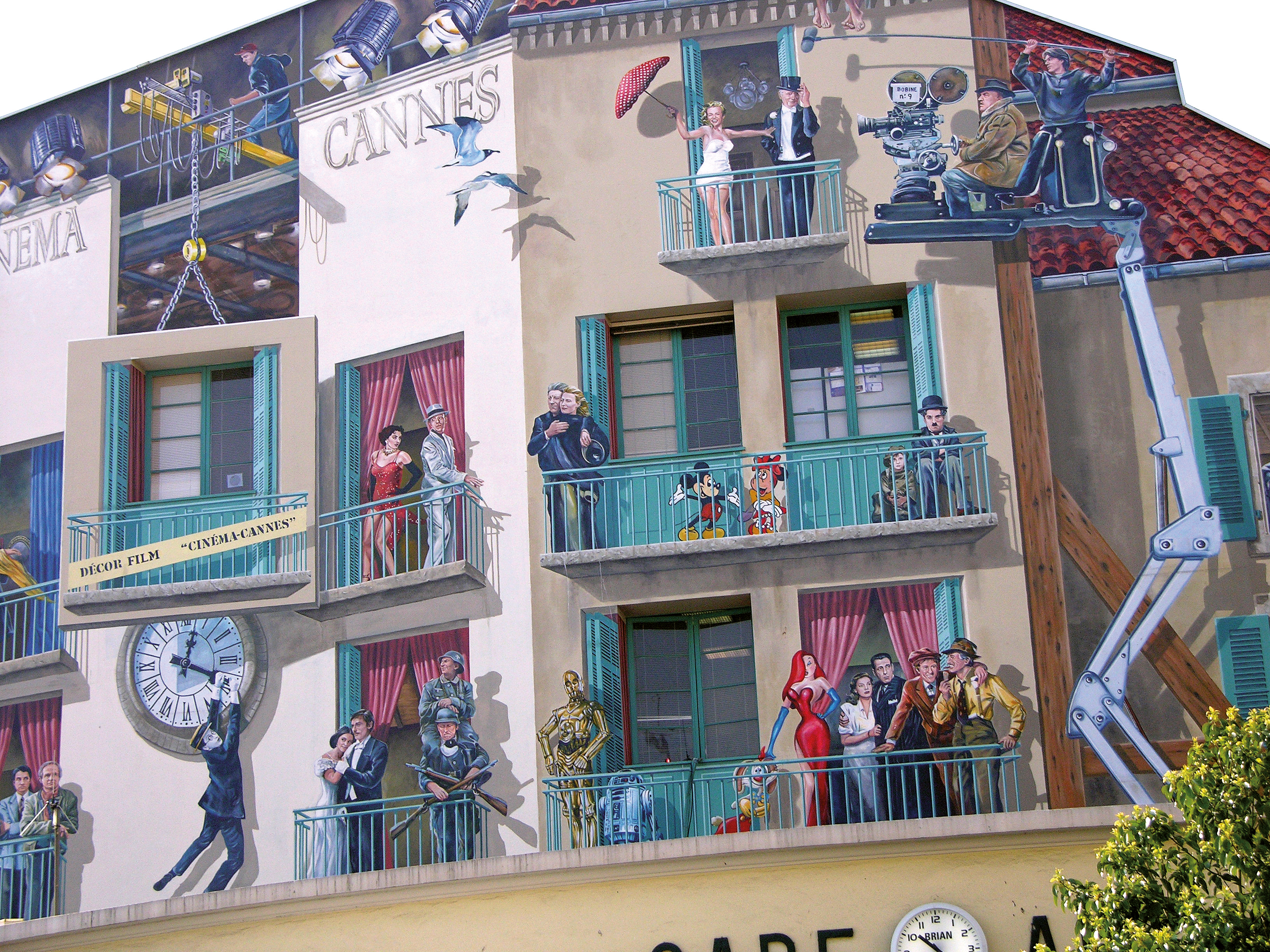 I murales Cannes